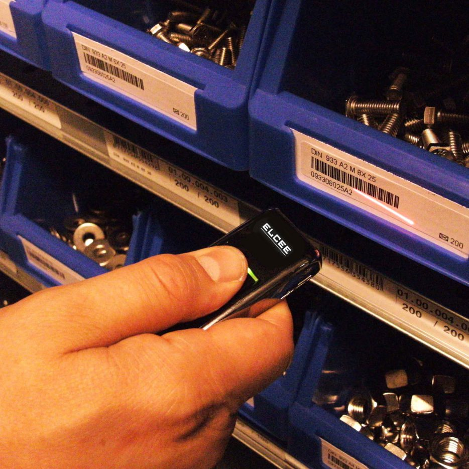 Système de scanner BarTrack pour les fixations en acier inoxydable | ELCEE